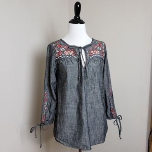 Knox Rose Embroidered Chambray Top